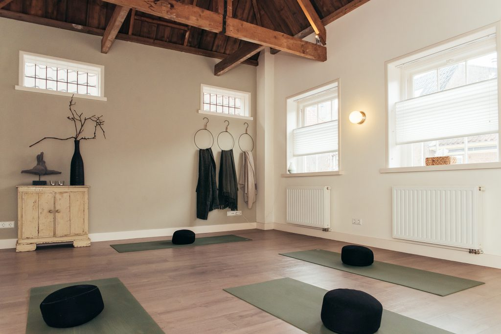 Ontvangst | Yoga in De Lier, het Westland | Yoga school UP to You